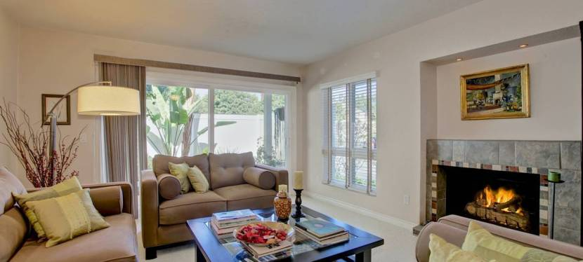 Chic Costa Mesa Townhome Sells Quickly