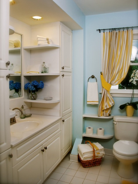 Small bathroom with storage ideas. Very charming!