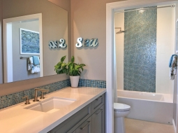 Secondary Bathroom Oakmont Plan 2 Model Home Beacon Park Irvine