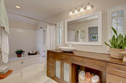Wonderful Master Bath, Nicely Updated