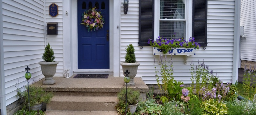 Using Paint to Boost Your Home's Curb Appeal